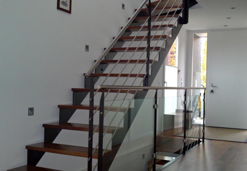 stahltreppen shehu metall und stahlbau. Black Bedroom Furniture Sets. Home Design Ideas